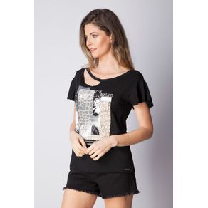 t-shirt-preta-2